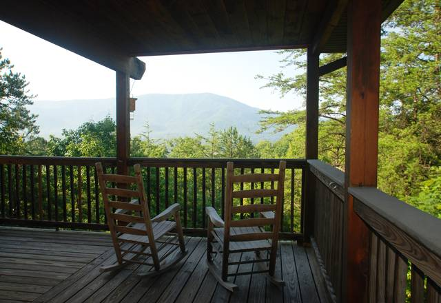 SMOKY MOUNTAIN DREAMIN'  2 Bedroom Cabin Rental