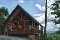 High Hopes - A splendid mountain view awaits you in this honeymoon cabin rental at HIGH HOPES in Pigeon Forge TN